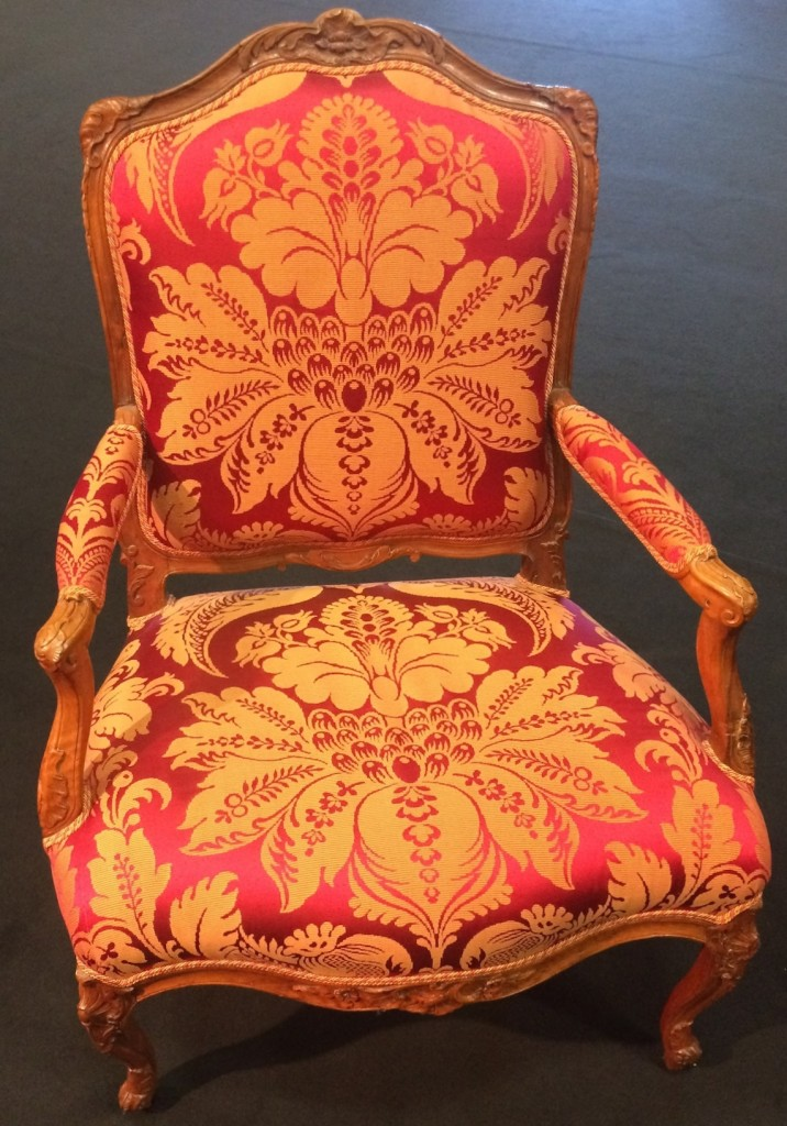 Grand fauteuil rouge 2