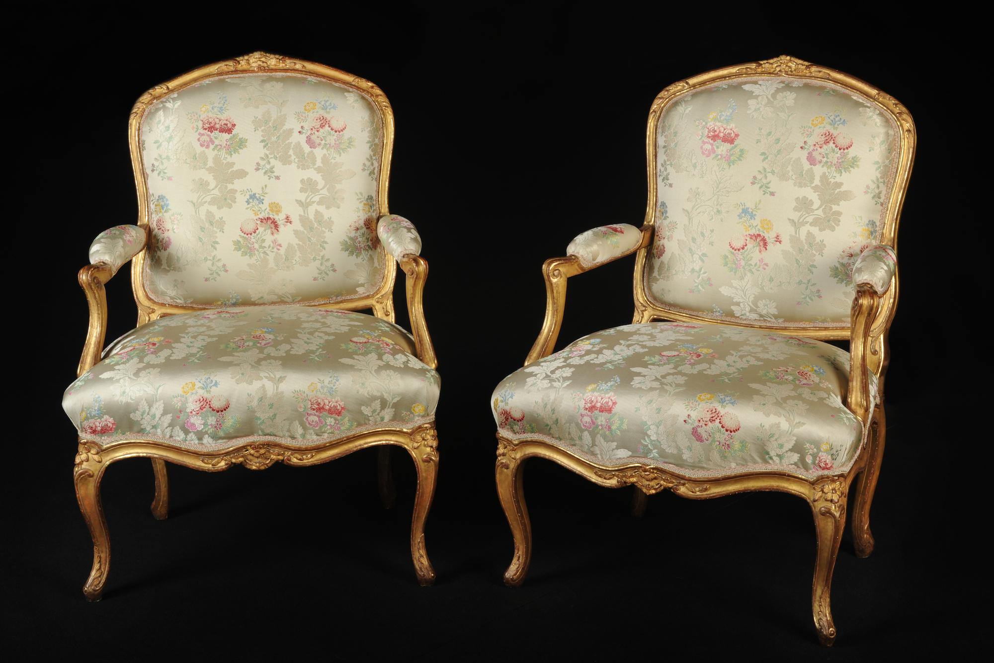 Paire de fauteuils à dos plats Louis XV estampillés de Gourdin