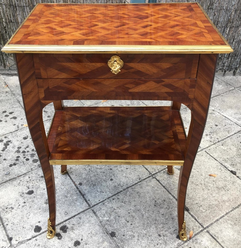 Petite table Louis XV 2