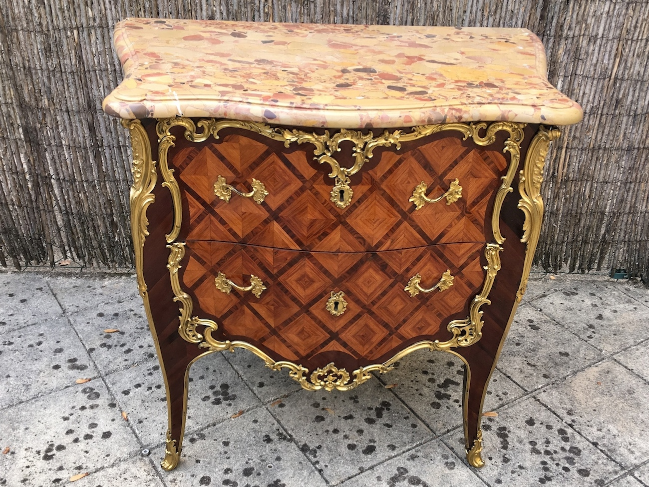 Commode Louis XV estampillée Migeon