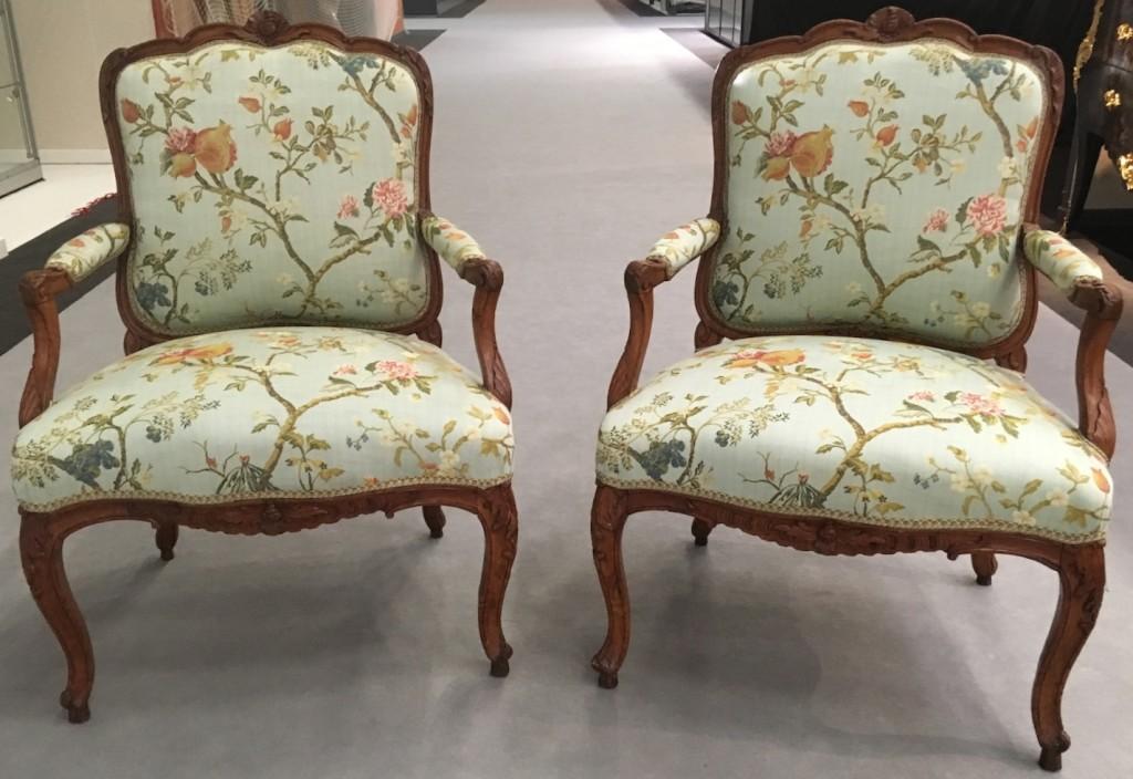 Paire de fauteuils Louis XV 2