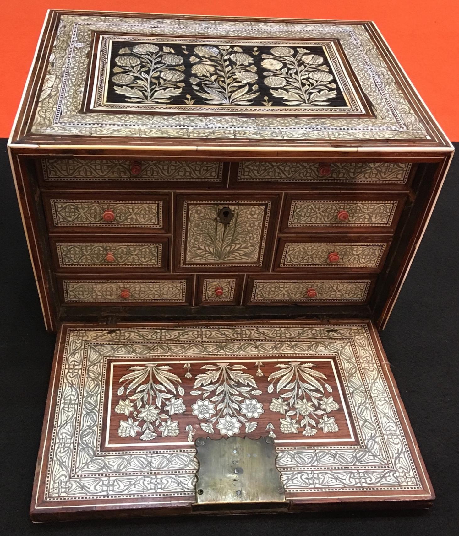 Cabinet Moghol 17ème siècle