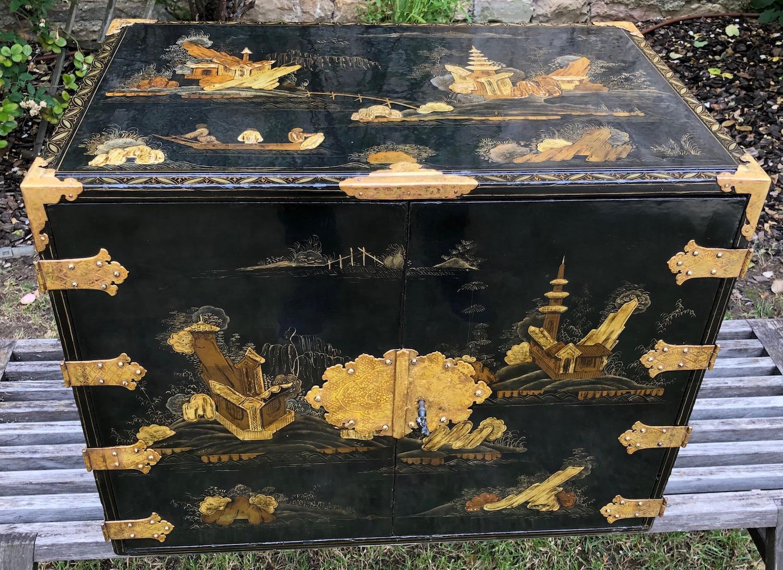 Cabinet Japon XVIIe siècle