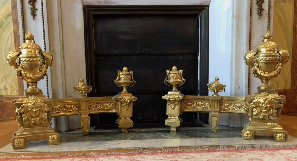 Paire chenets Louis XVI