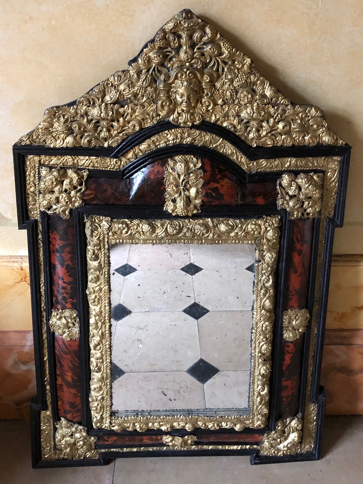 Miroir en écaille et laiton d'époque Louis XIV
