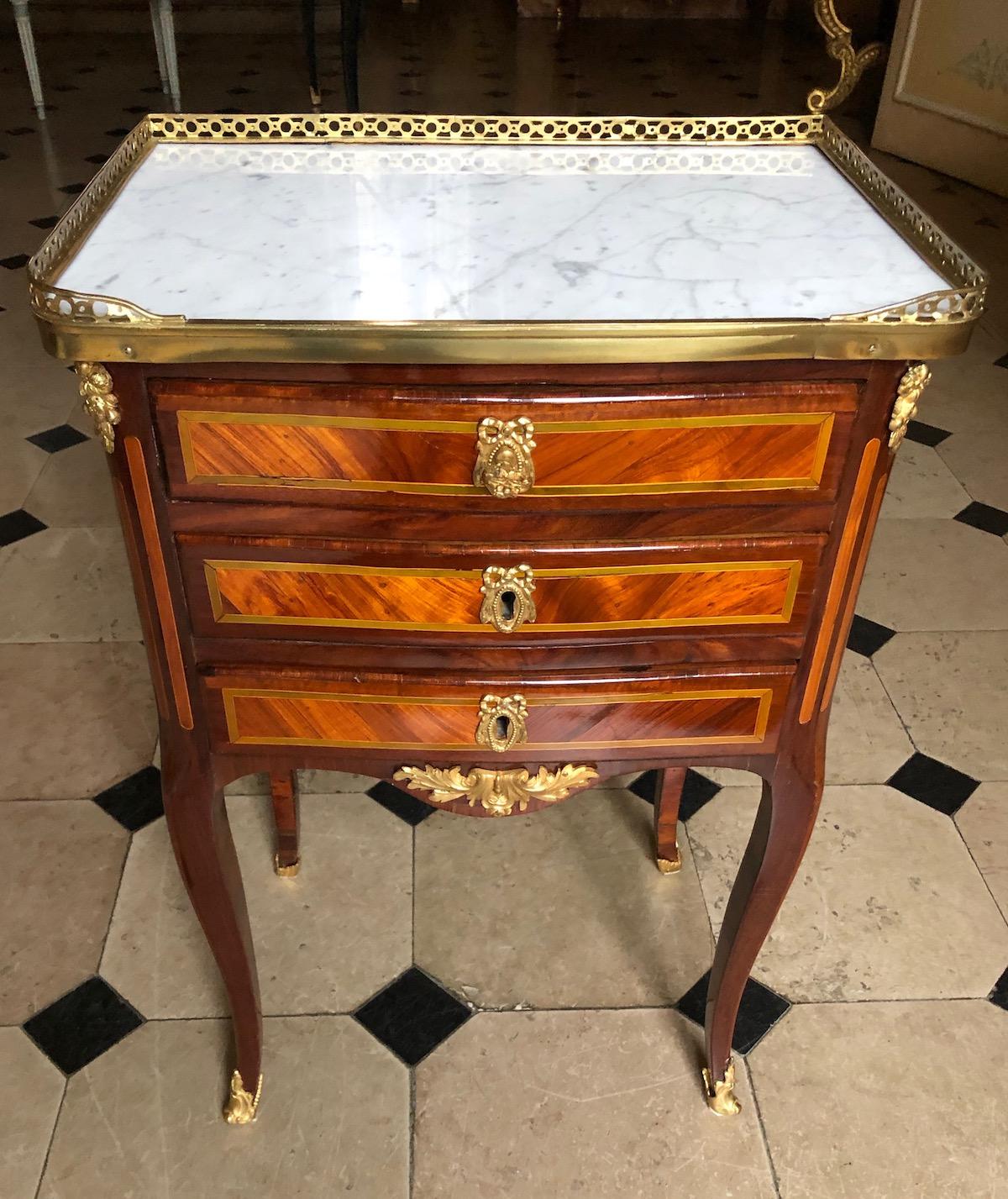Petite table estampillée de J.Birckle