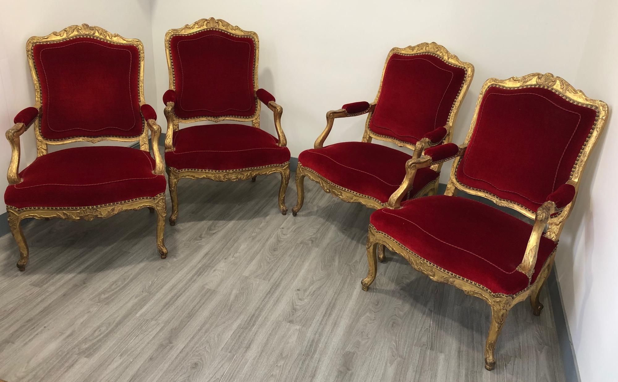 Suite de quatre fauteuils d'époque Régence