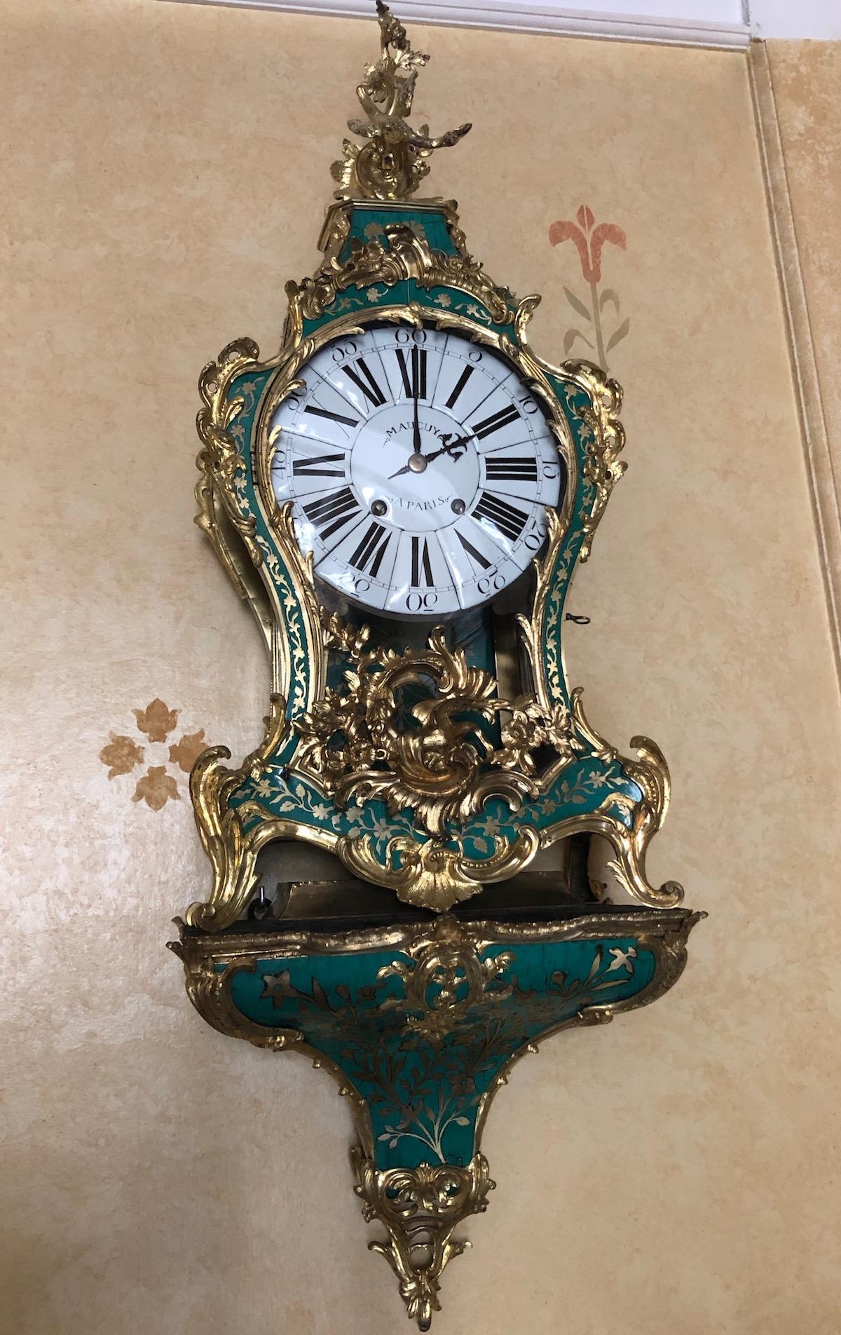 Cartel d'applique en corne verte d'époque Louis XV
