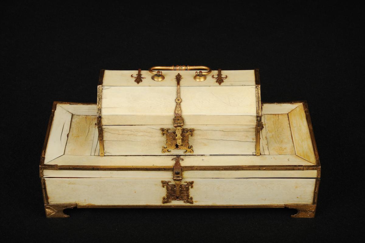 Double coffret en ivoire du début du 16eme siècle